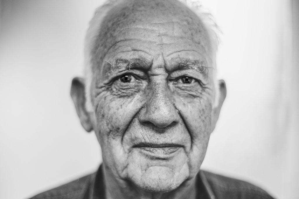 chiropractie, portrait de senior